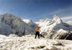 Зимний отдых на горнолыжном курорте Домбай