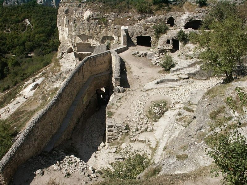 Пещерные города степного Крыма
