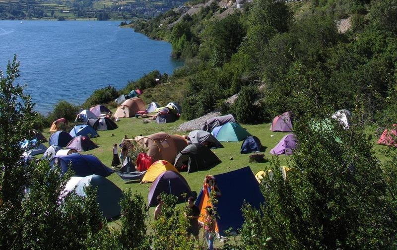 С палатками в Крыму - самый бюджетный вариант отдыха