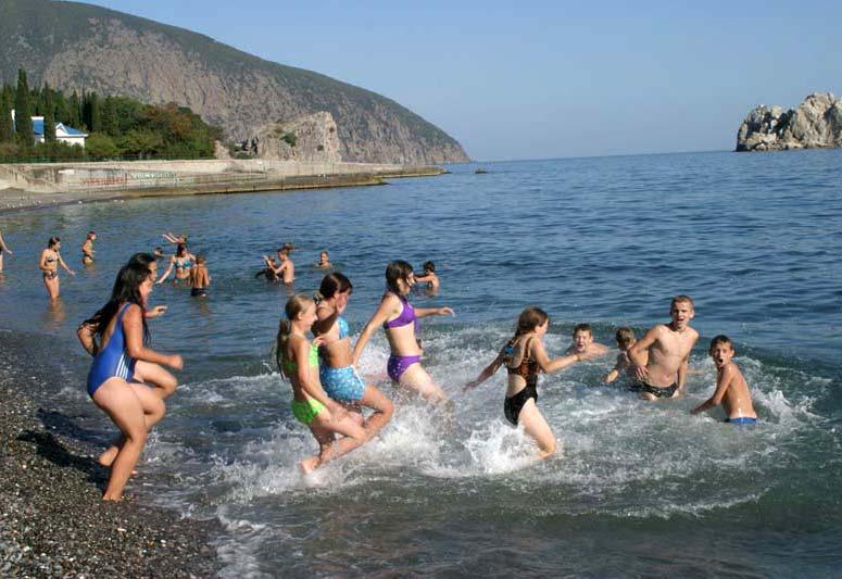 Чистое море и галечные пляжи МДЦ Артек