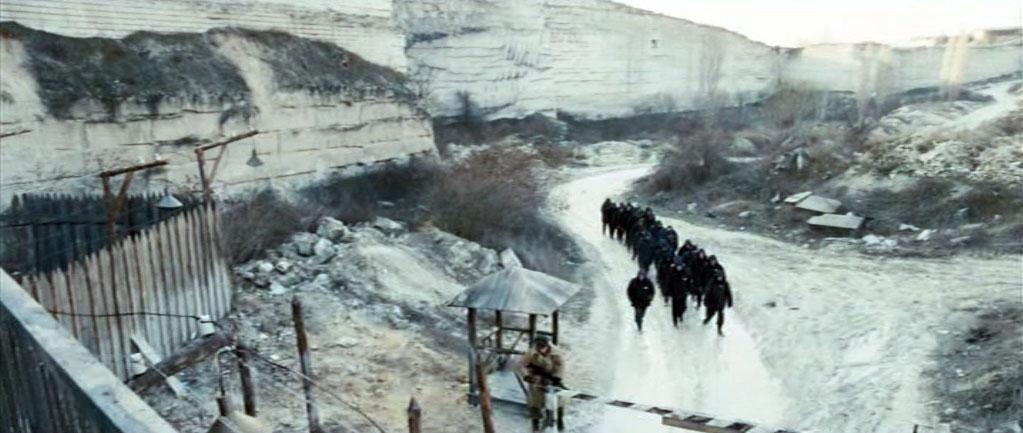 Заброшенный известняковый карьер в Инкермане. Сама же зона находилась непосредственно в штольнях Инкерманских каменоломен.