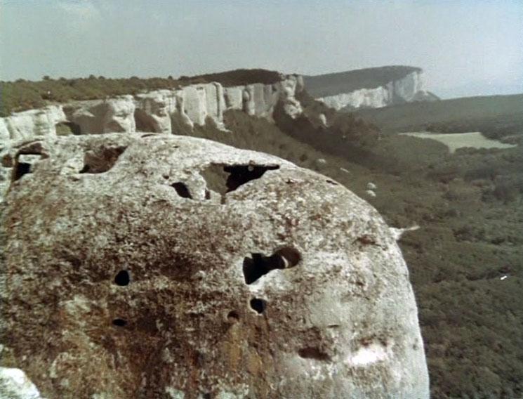 Путь к богатствам пролегал, в том числе, через пещеры Эски-Кермена.