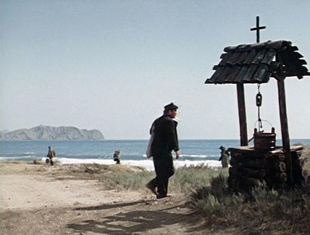 Съёмочная группа далеко не сразу приехала в Крым. Поиски проводились на Кавказе, в Прибалтике и Краснодарском крае.