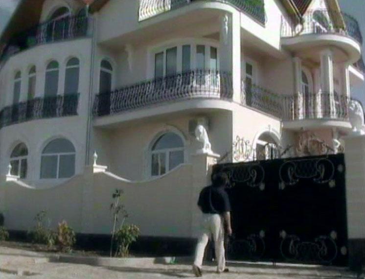 Хотя сам дом находится в Судаке. Это частный отель в районе улицы Пограничников.