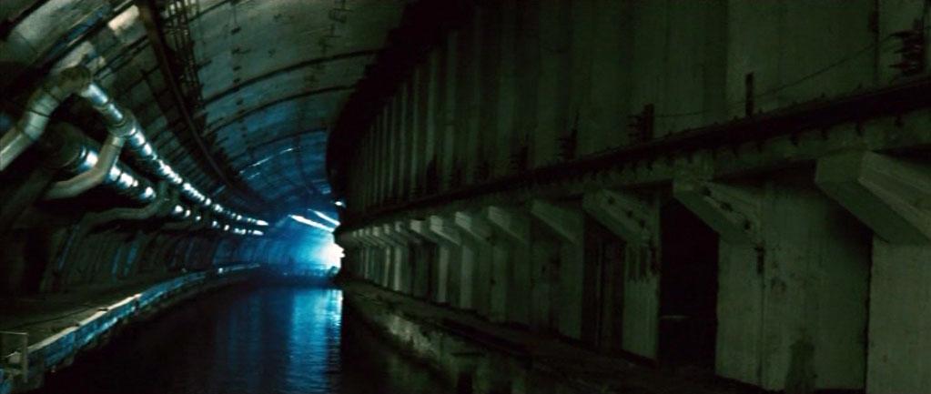 Диско-клуб для сумасшедших грибоедов располагался на заводе по ремонту подводных лодок в Балаклаве.