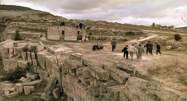 Драка местных с портовыми проходила между крепостью Каламита и известняковым карьером в Инкермане.