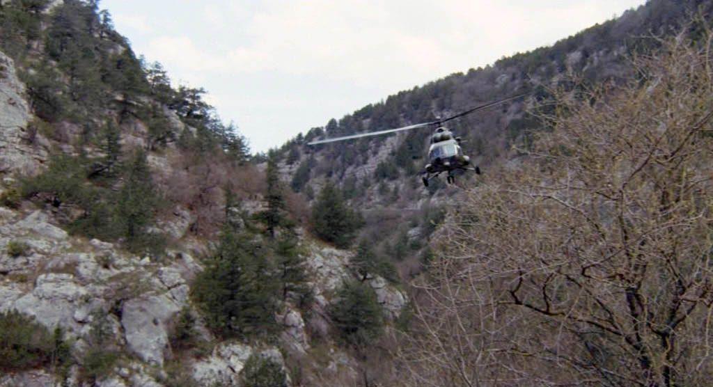Для съёмок необходим был вертолёт. Его, поначалу, решили взять у Минобороны Украины. Но после того как была озвучена космическая стоимость аренды, от вертолёта пришлось отказаться. На выручку пришёл Черноморский флот, который и дал попользоваться своей техникой.
