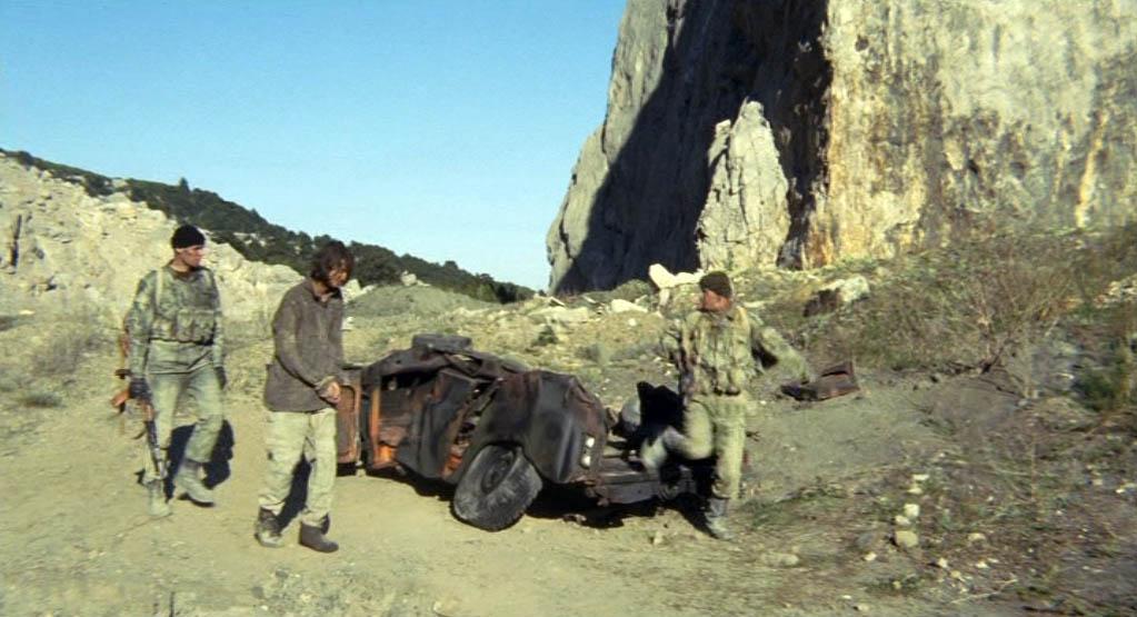 Опять карьер возле Кастрополя. Справа - основание скального зуба.