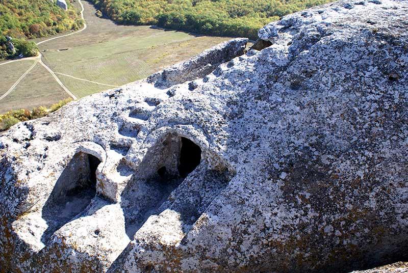 Входы в пещеру Гугерджин
