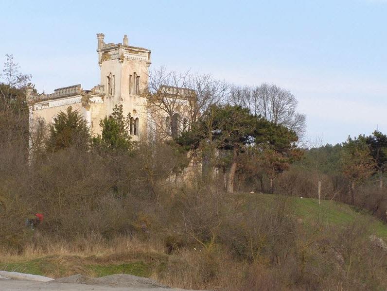Замок до реставрации