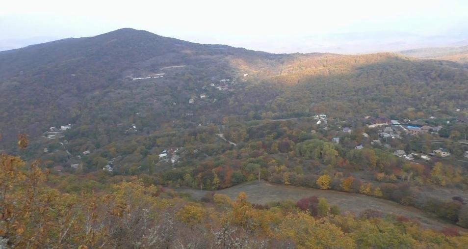 Вид на Керменчик с горы Крепость