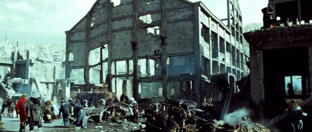 Город мутантов - развалины Завода им. Войкова в Керчи.