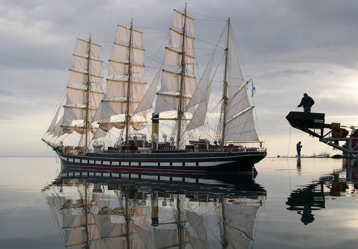 Модель барка Крузенштерн для съемок фильма Пассажирка