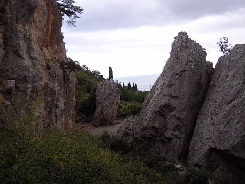 Никитская расселина - место съемок многих фильмов и сказок А.Роу