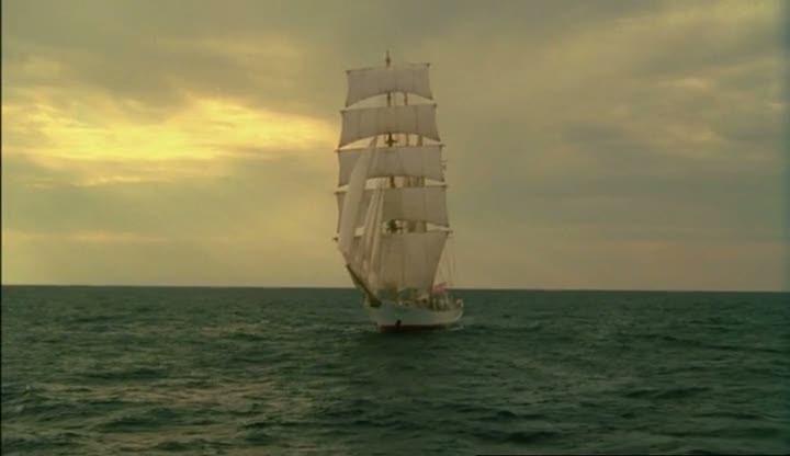 Парусник из фильма Бегущая по волнам