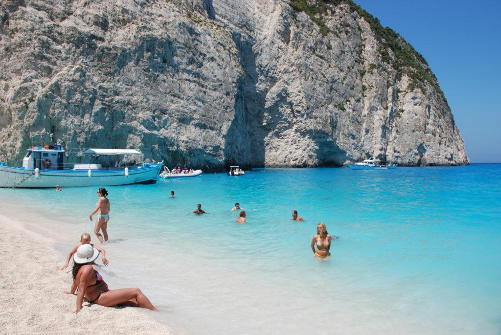 пляж Навайо в Греции