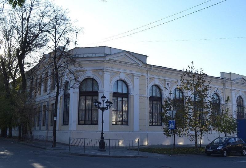 Бывшая губернская казенная женская гимназия Симферополя
