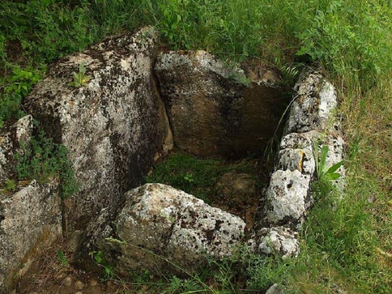 Таврийский каменный ящик