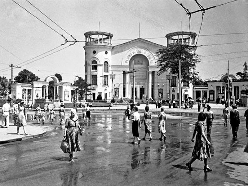 Фото кинотеатра в Симферополе