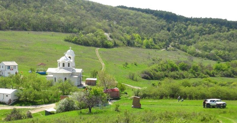 Село Лаки