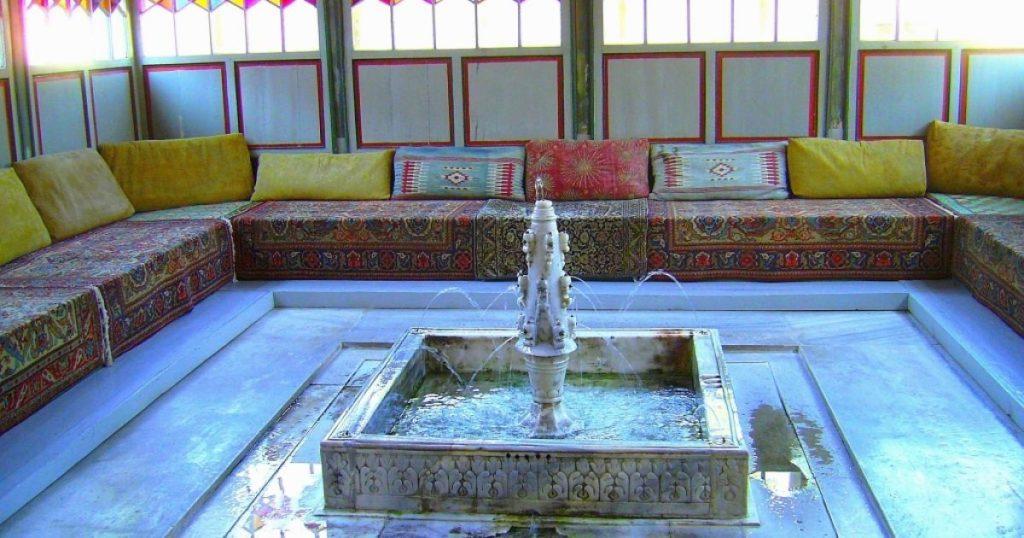 Дворцовые фонтаны